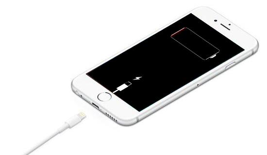 Apple, orijinal olmayan iPhone batarya konusunda müşteriyi uyaracak.